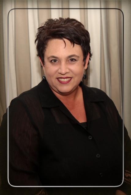 Mrs. | Mev. A. van der Linde